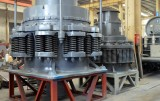 Internal composition of spring cone crusher (b)