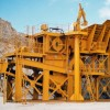 Jaw crusher moving jaw two different methods of support